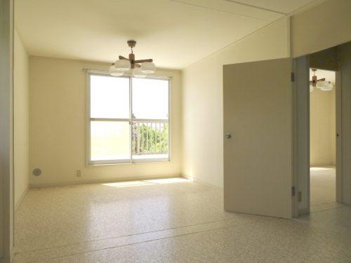 2階の10.5畳の洋室