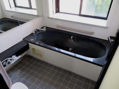 出窓のある浴室(風呂)
