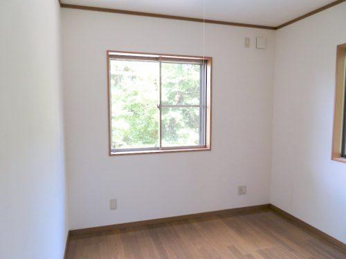 1階5帖の洋室