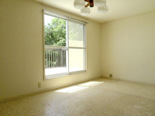 2階の8.5畳の洋室