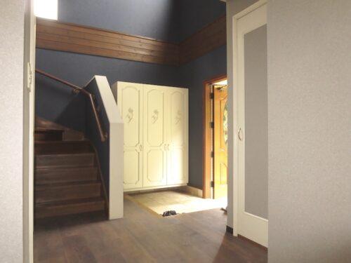 ホールから見た玄関の様子(玄関)