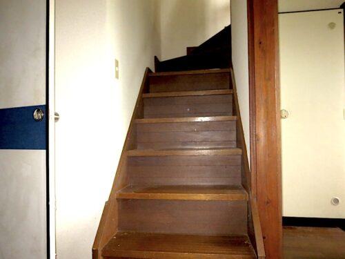 2階への階段(内装)